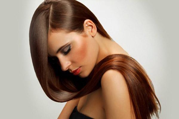 capelli-lisci-lisciatura